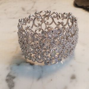 FASHION JEWELRY: Faux Diamond Bangle
